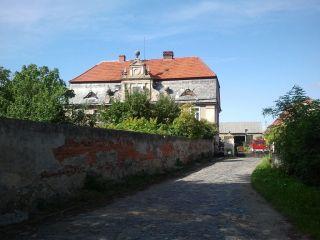 Dwór (1794, przebudowany XIX w.) w Taczalinie