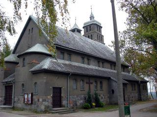 Kościół we wsi Piece