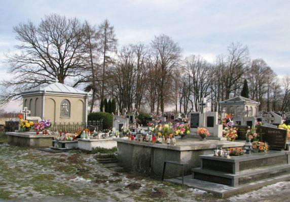 Cmentarz parafialny Wiązownica Kolonia 2012 02