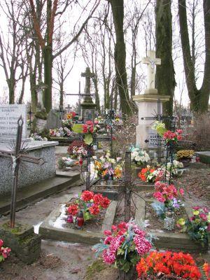 Cmentarz parafialny Wiązownica Kolonia 2012 06