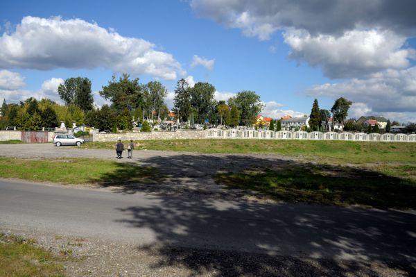 Ożarów - cmentarz parafialny - ZJ001