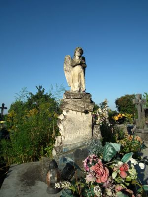 Cmentarz w Ożarowie 4