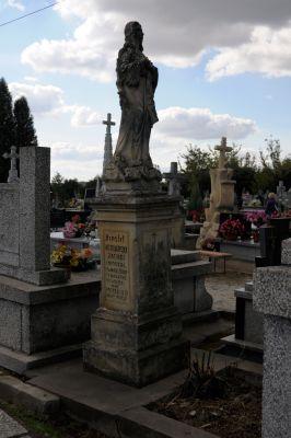 Ożarów - cmentarz parafialny - ZJ005