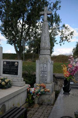 Ożarów - cmentarz parafialny - ZJ007