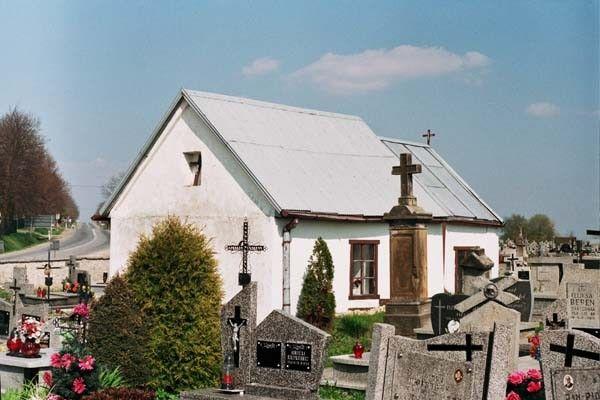 Swietokrzyskie lagow cmentarz kapliczka 5184 33 600