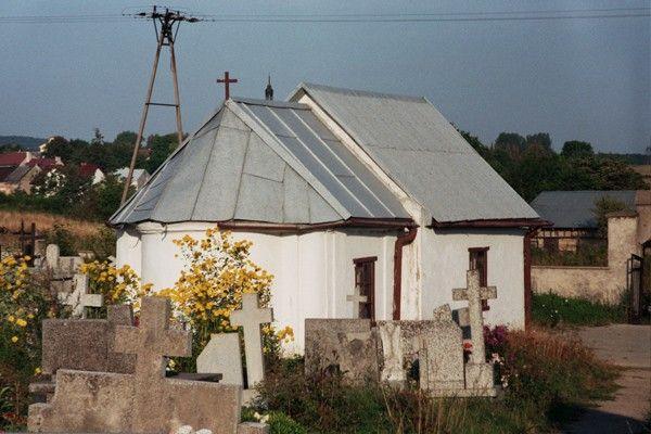 Swietokrzyskie lagow cmentarz kapliczka 7344 21A 600