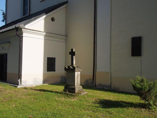 Kościół Św Trójcy Cmentarz przykościelny Bogoria 2015 03