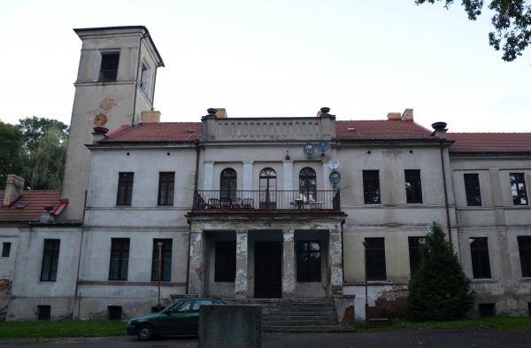 Dwór w Gorzewie 04