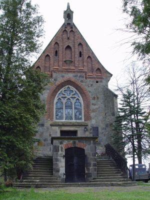 Cmentarz parafialny z drogą dojazdową oraz kaplica grobowa Jastrzębskich w Dębnie 2
