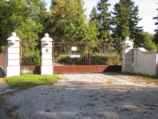 A 582 Zespół pałacowy Białka k. Radzynia Podlaskiego brama wjazdowa