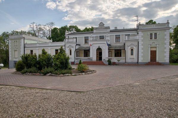 Lisewo pałac Władysława i Celiny Przyłubskich