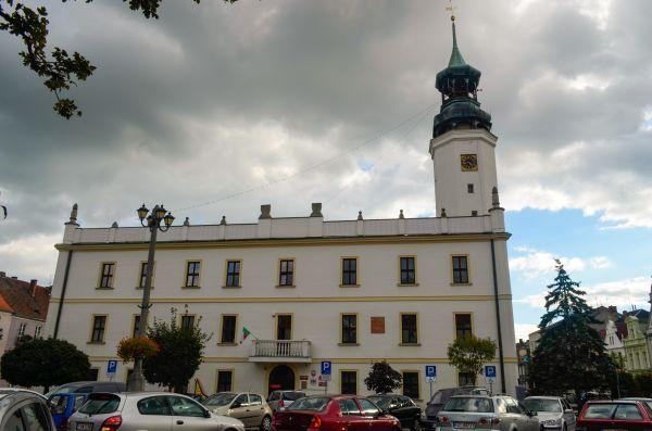 Sulechów, Ratusz, parking