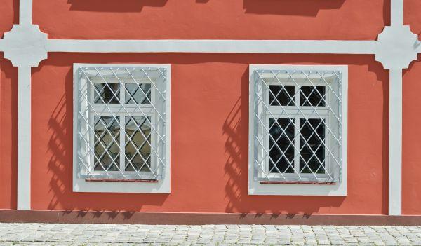 2014 Nysa, ul. Wałowa 3-5 05