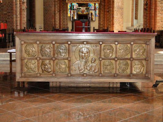 Szczecin katedra stol oltarzowy