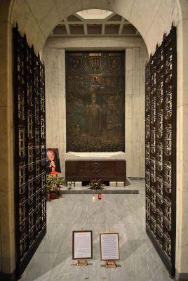 Kaplica mauzoleum Stefana Wyszyńskiego 04
