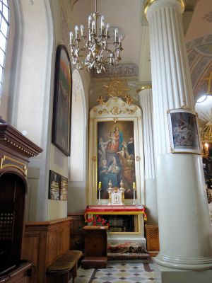 Side altar in Basilica of the Nativity of St. Mary and St. Nicholas in Bielsk - 01