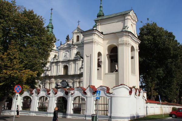 Lubartów, kościół par. p.w. św. Anny, 1 poł. XVIII, 1860-1871.