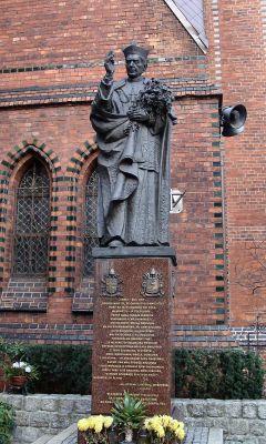 Szczecin kosciol sw. Jana Chrzciciela pomnik 1
