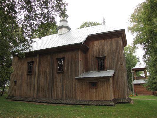 A 111 Cerkiew unicka, ob. kościół rzym.-kat. fil. p.w. Zmartwychwstania Pańskiego, drewn., 1728 i Dzwonnica, przy cerkwi unickiej 9