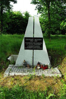 Pomnik cmentarz Gołoszyce