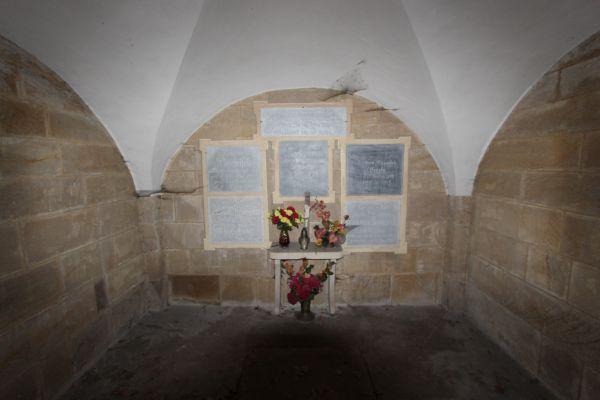 Kaplica grobowa rodziny Boenisch w Pszczynie  - wnętrze (cmentarz św. Jadwiga)
