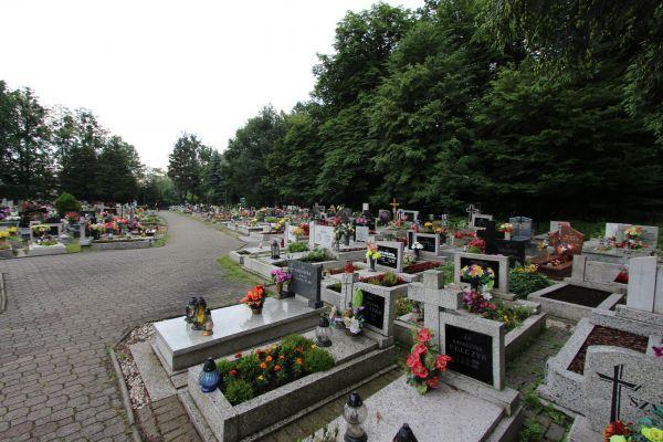 Cmentarz św. Krzyża w Pszczynie - strona od Wodzisławskiej