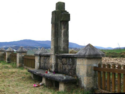 Cmentarz wojenny 306 w Łąkcie Dolnej 4