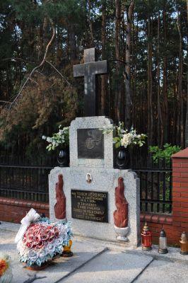 Lelów - grób 3