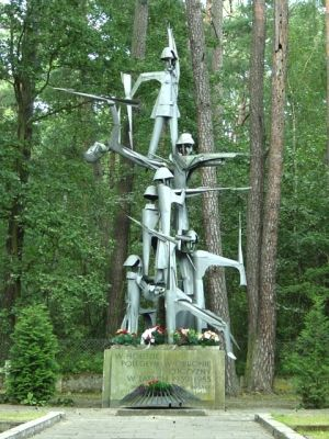 Statue of the fallen soldiers - invasion of Poland (1939)