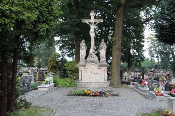 Męka Pańska - na cmentarzu Wszystkich Świętych w Pszczynie