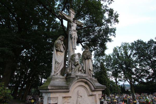 Rzeźba Meki Pańskiej na cmentarzu Wszystkich Świętych z 1905r w Pszczynie