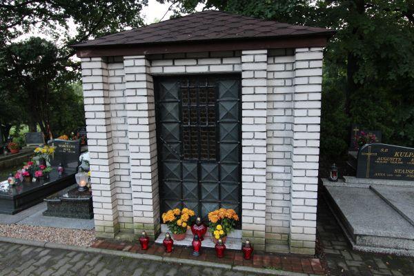 Kaplica grobowa na cmentarzu Wszystkich Świętych w Pszczynie