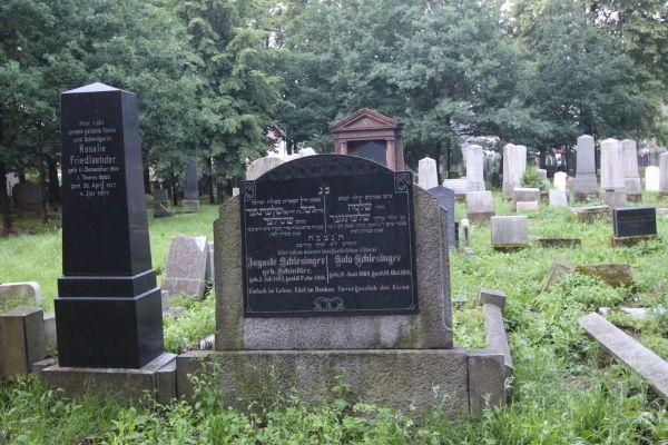 Kirkut w Pszczynie - grób Augusta i Salo Schlesinger (1918)
