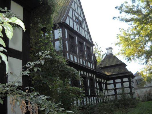 Studzieniec - dwór z XVIII wieku