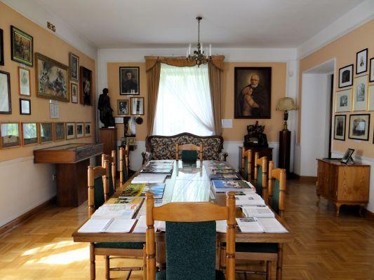 020613 Interior of Manor in Pilaszków - 25