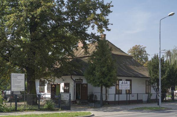 2014 Tarnobrzeg, ul. Mickiewicza 19 07