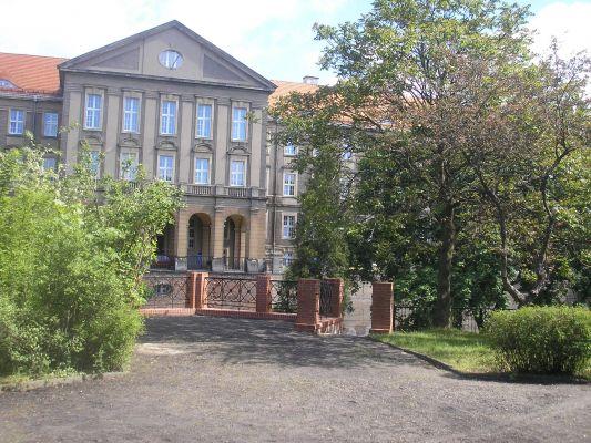 Gmach sadu w Glogowie2