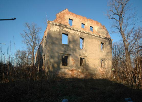Pałac (dwór) w Grębocicach 01