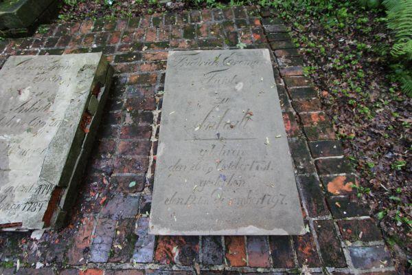 Płyta nagrobna księcia Fryderyka Erdmanna Anhalta (1731-1797)  w Pszczynie