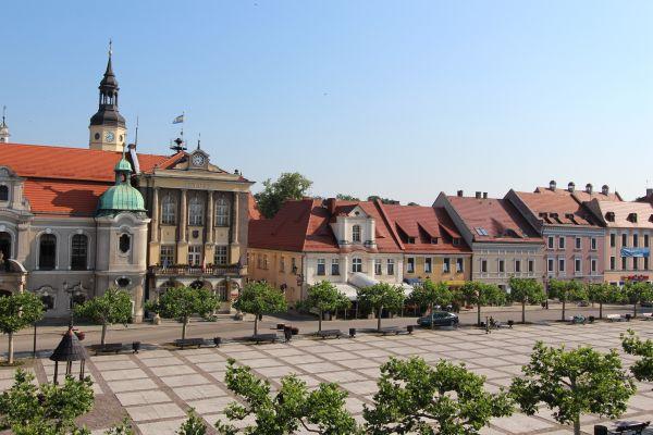 Pszczyna - Rynek, Ratusz i kamienice nr 3-7