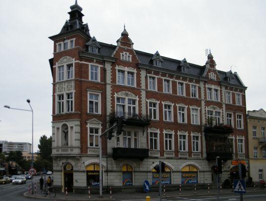 Opole plac Piłsudskiego 10 ,kamienica. sienio