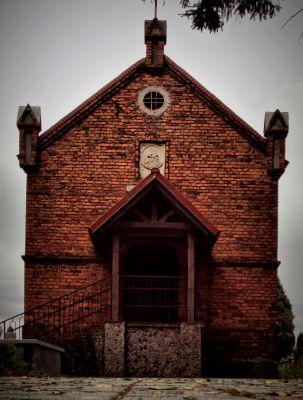 Strzygi cmentarz kaplica(WLZ12)