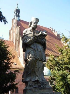 Bydgoszcz figura św Jana Nepomucena