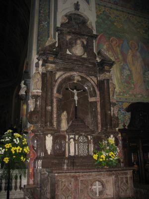 Plock - katedra WNMP oltarz ukrzyzowania