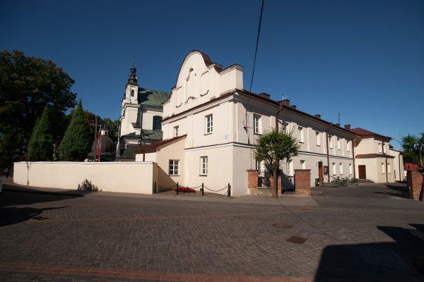 Klasztor dominikanów w janowie lubelskim widok od strony ul. Szewskiej