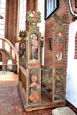 Kolobrzeg katedra stalle rajcow (1)