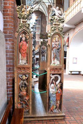 Kolobrzeg katedra stalle rajcow (2)