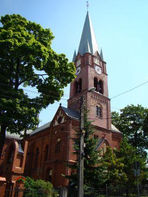 Piekary Śląskie, Kościół Matki Bożej Wspomożenia Wiernych w Dąbrówce Wielkiej 01