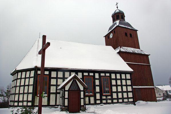 Dzierzazno wielkie church1