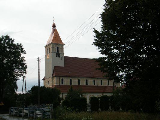 Kościół pw. Najświętszego Serca Pana Jezusa w Zagwiździu (widok od ul. Lipowej)